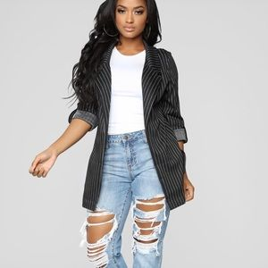 NEW Jax Distressed High Rise Boyfriend Jeans-9